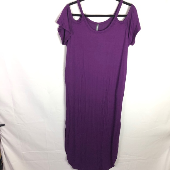 Rags and Couture Dresses & Skirts - Rags&Conture Med Purple PeakAboo sleeve side slit